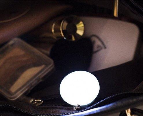 Handbag lights in bag
