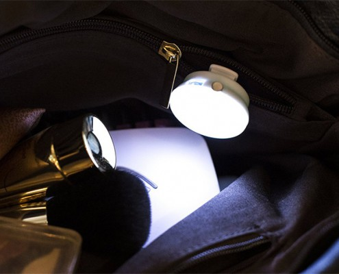 Handbag lights inside bag